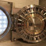 仮想通貨「ガチホ」の意味とは?【ガチホのメリット・デメリット】